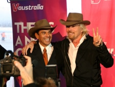 Sir Richard Branson and Mayor Antonio Villaraigosa with their Dundee hat