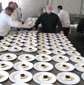 michelrichardcheesecake 295x300 Chef Michel Richard presiding over his cheesecakes