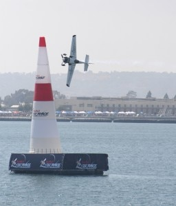 mike mangold edge 540 256x300 Red Bull Air Race in San Diego