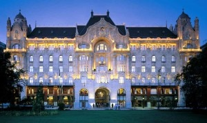 fourseasonshotelbudapestfacade 300x178 The Art Nouveau façade of the Four Seasons Hotel in Budapest