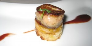 Seared foie gras on a caramelized mango and pepper brioche in a pineapple cherry sauce