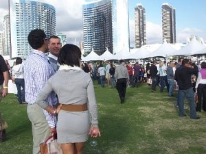 foodies and oenophiles at the grand tasting event 300x225 Sippin by the Dock of the Bay