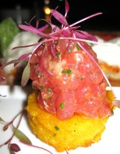 Spicy tuna tartar on rice cake from chef Mirko Paderno