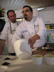 andres 224x300 Top Chef of Spain Juan Andrés R. Morilla molecularizing an apple at Saborea