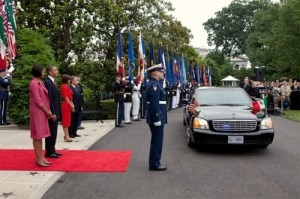 arrival 300x199 President and First Lady Obama greet Mexican President Calderon and First Lady Zavala