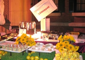 lemonade 300x212 Lemonade table