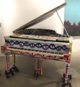 piano 278x300 Piano painted by New York artist Kenny Scharf