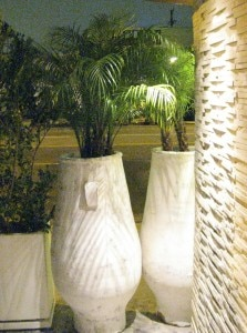 flower pots 223x300 Decorative flower pots