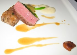 Lamb with chanterelles and onion