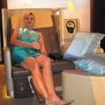 Sophie Gayot experiencing Singapore Airlines's business class seat