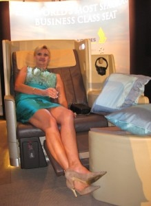 Sophie Gayot experiencing Singapore Airline's business class seat