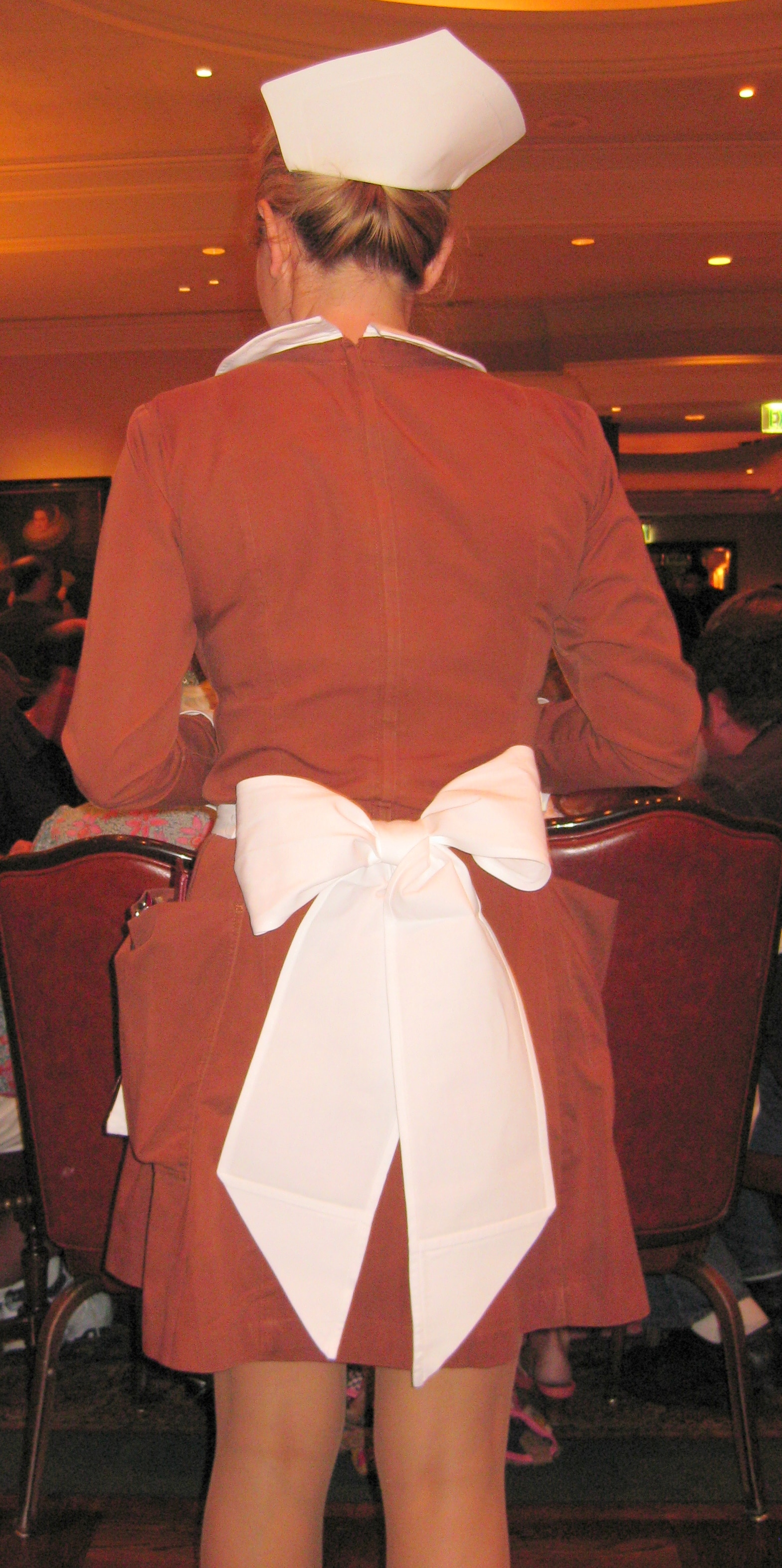 The Waitresses S Old Fashioned Uniforms Gayot S Blog