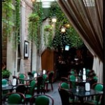 green patio 150x150 Haunted Restaurants