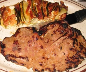 calf liver 300x251 Calf liver with zucchini and tomato gratin