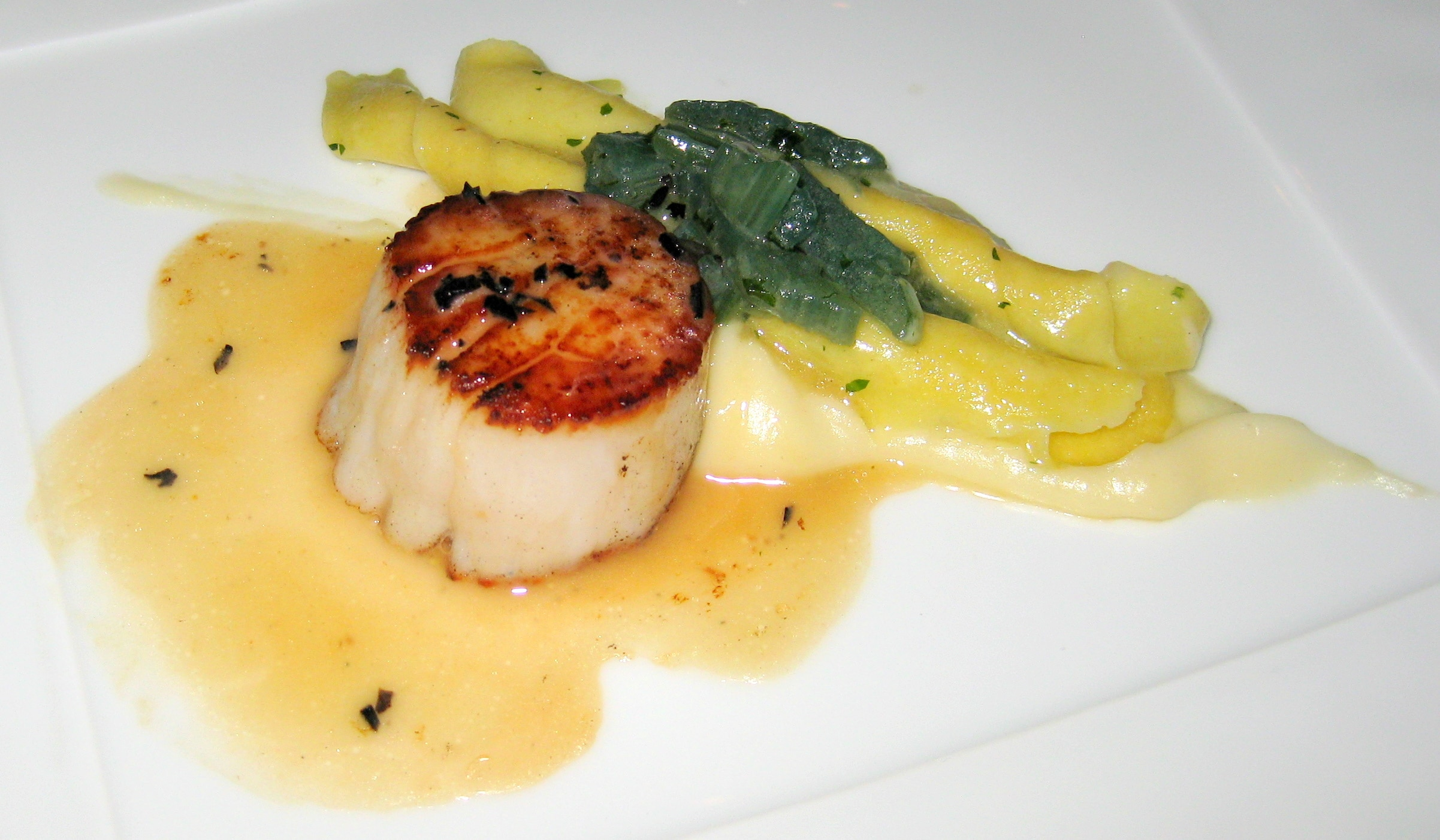 Maine diver sea scallops with hand-rolled pasta, sunchoke