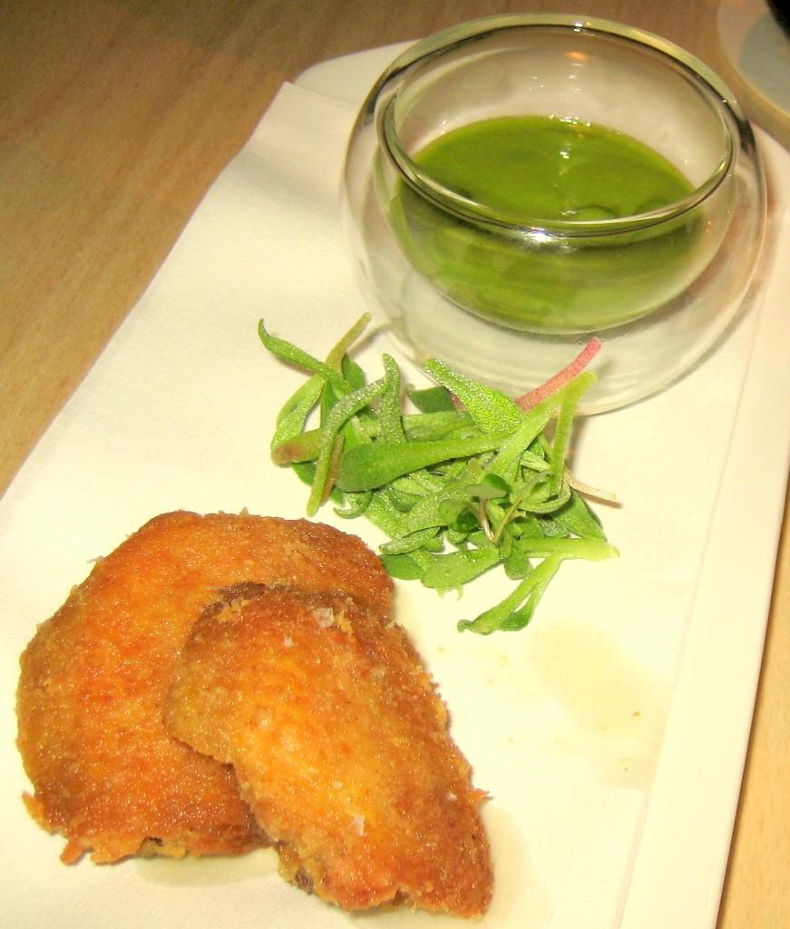 Boneless chicken wings, green olive purée
