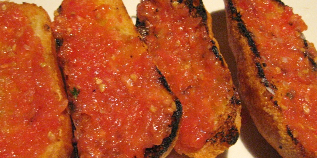 Catalan style toasted bread, tomato