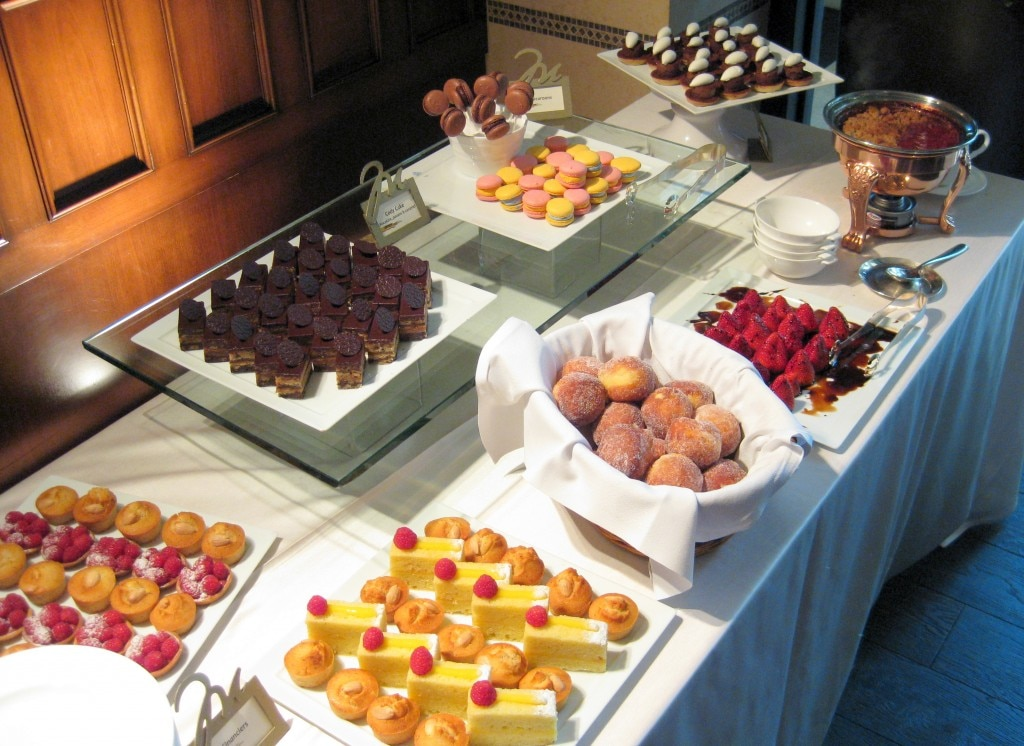 Macarons at the pastry buffet