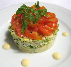 Emiettée de tourteau, salade de pommes de terre tièdes en vinaigrette