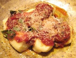 Ricotta gnocchi: salsa di pomodoro delia nonna with pecorino