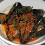 Marinara mussels: Merlot, garlic, shallots and spicy marinara
