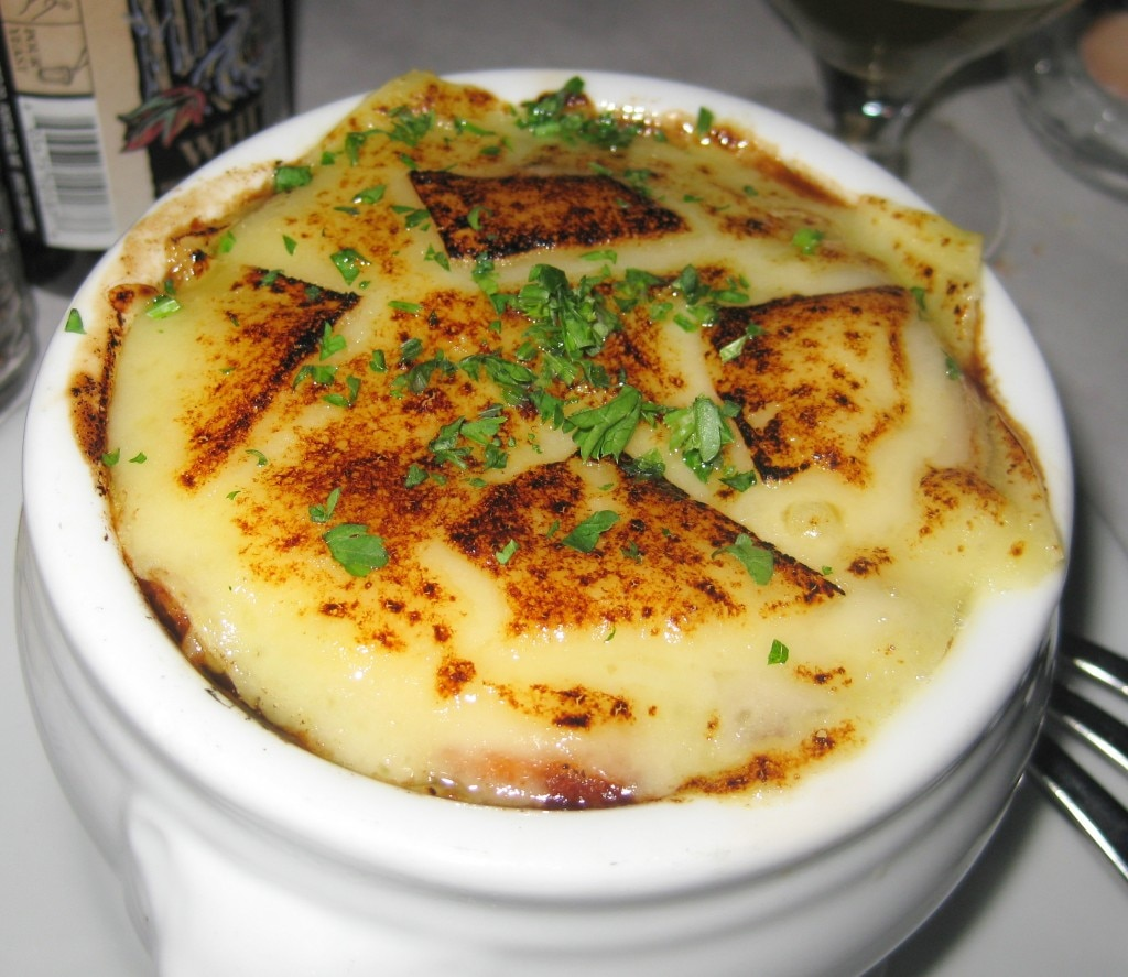 soupe l oignon gratin e french onion soup melted. Black Bedroom Furniture Sets. Home Design Ideas