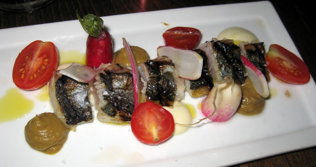 Spanish mackerel: lentil puree with garlic aioli