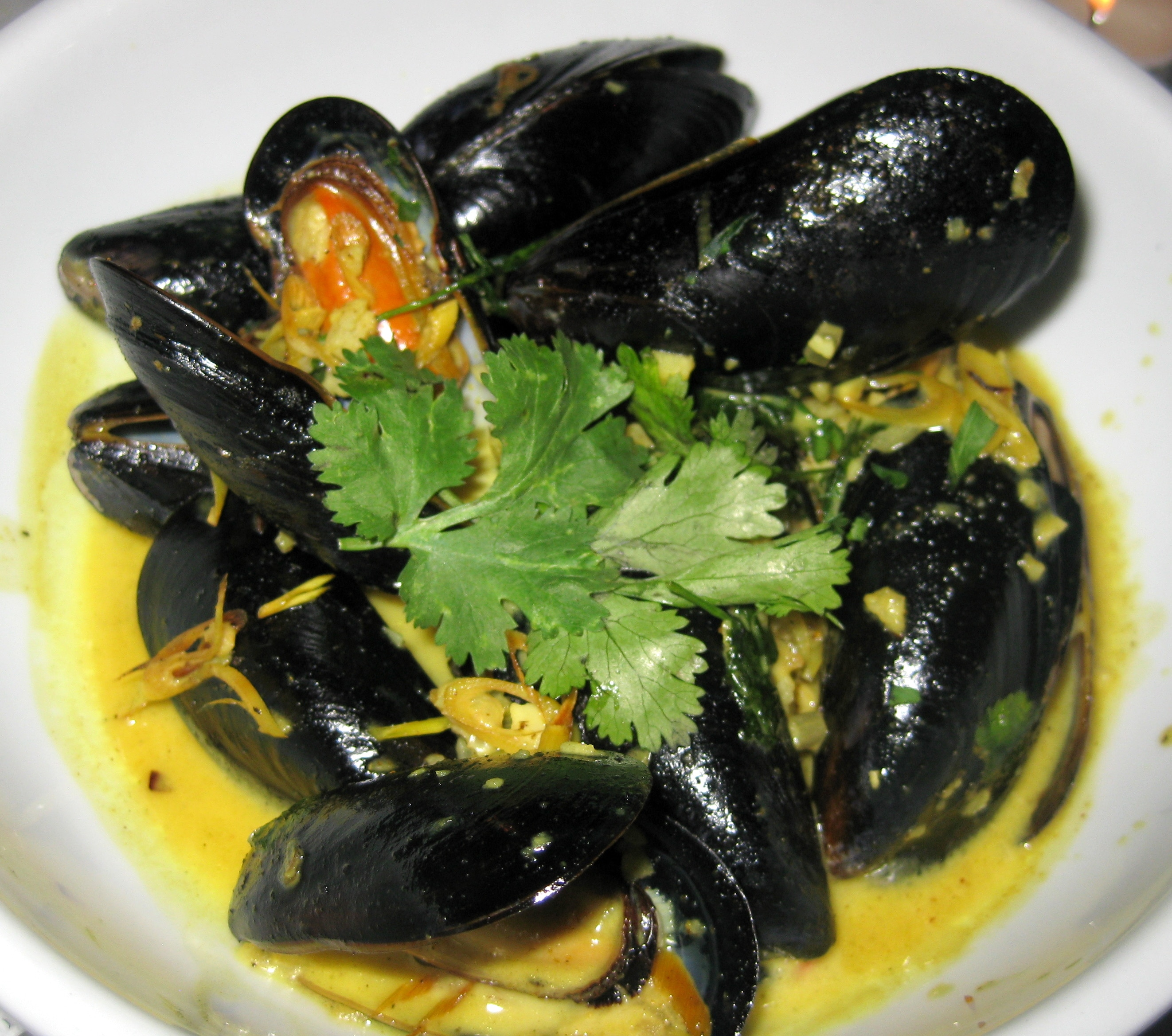 Thai mussels: Indian curry, garlic, cumin, lemongrass, coconut milk ...