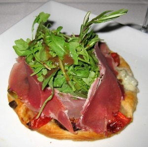 fig gorgonzola tartlet 300x298 Fig gorgonzola tartlet: warm gorgonzola, prosciutto, fig, walnut arugula, tomato on a fine puff pastry