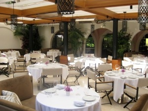 patio restaurant 300x225 Restaurant patio