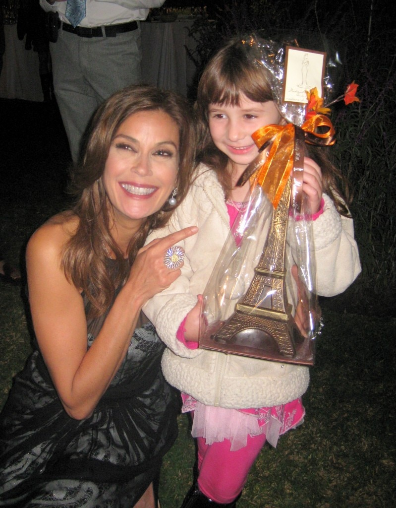 Teri Hatcher with Madame Chocolat 14-inch chocolate Eiffel tower