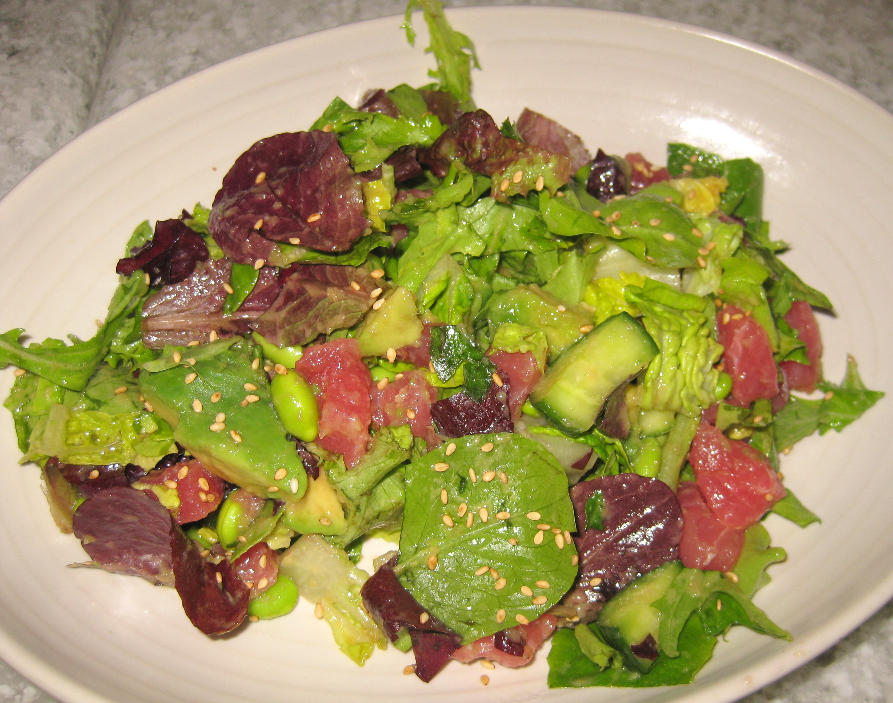 Sashimi Tuna with avocado, cucumber, edamame and ginger | GAYOT's Blog