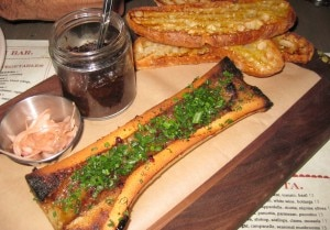 bone marrow 300x209 Bone marrow with oxtail marmalade and fettunta