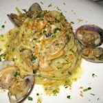 Pasta vongole with tagliarini, white wine and bottarga