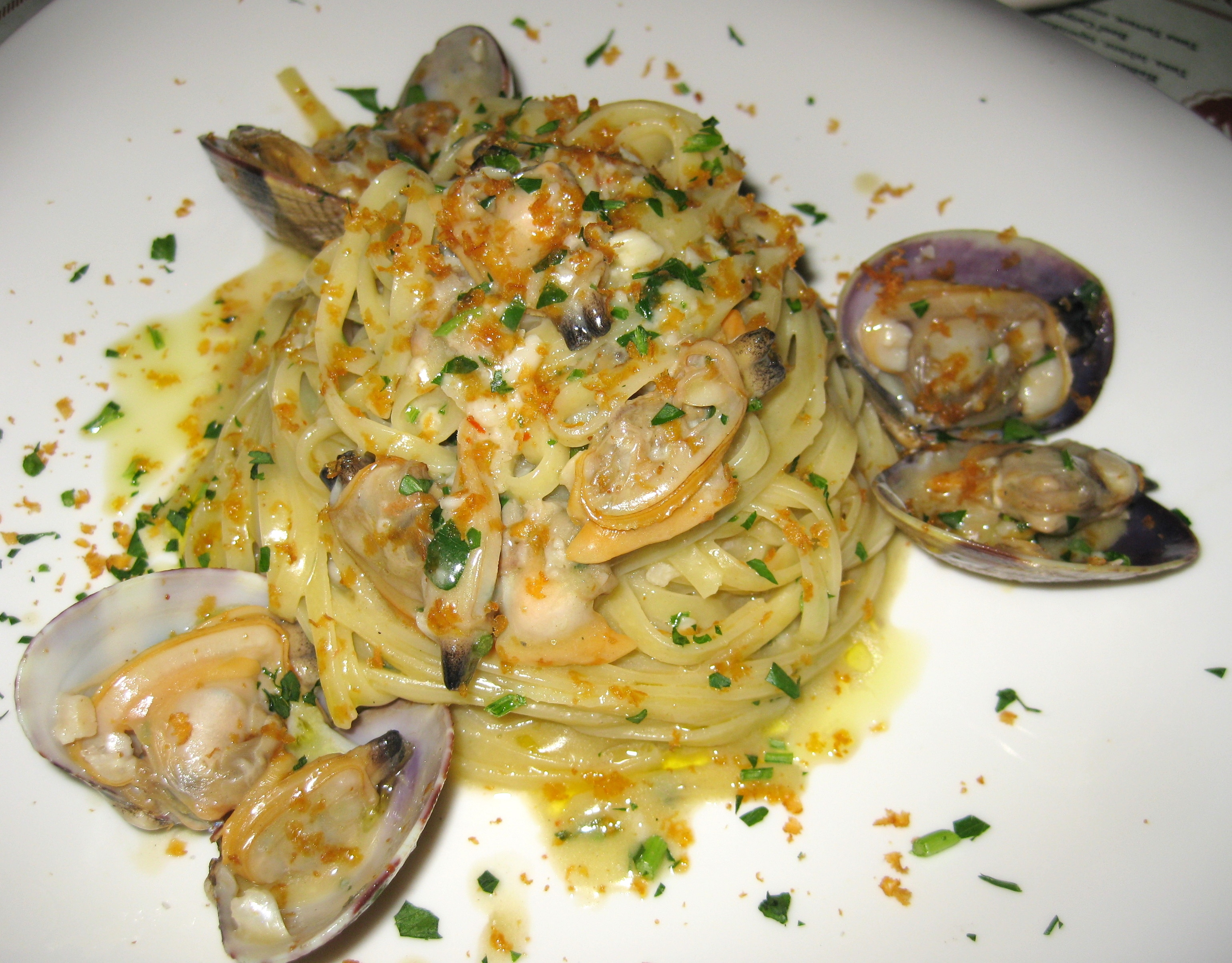 Pasta vongole with tagliarini, white wine and bottarga | GAYOT's Blog