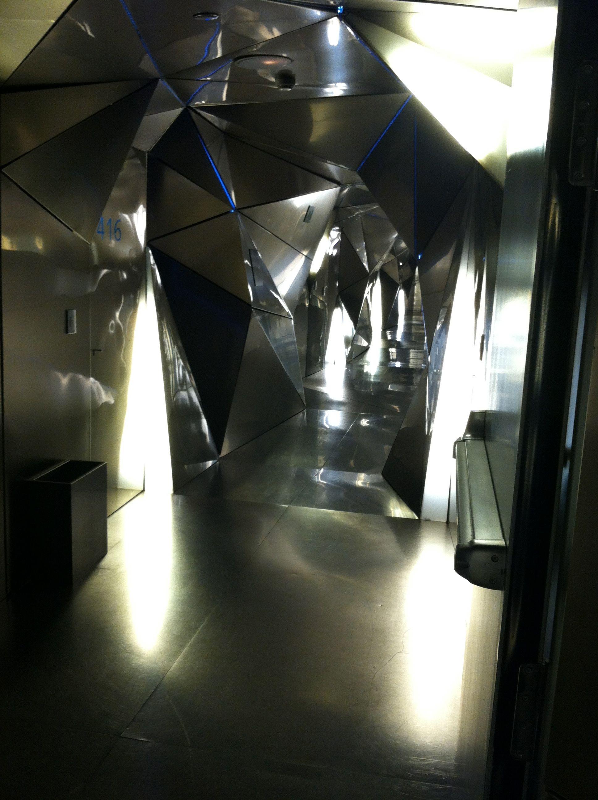 hotel silken puerta america madrid hallway gayot 39 s blog. Black Bedroom Furniture Sets. Home Design Ideas