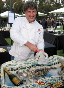 Christophe Happillon opening oysters