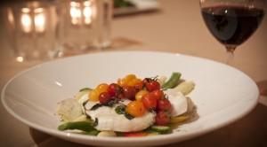 Insalata di mozzarella e pomodorini