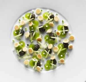 Imperial Sologne caviar, with cucumber gelée and mini-blinis