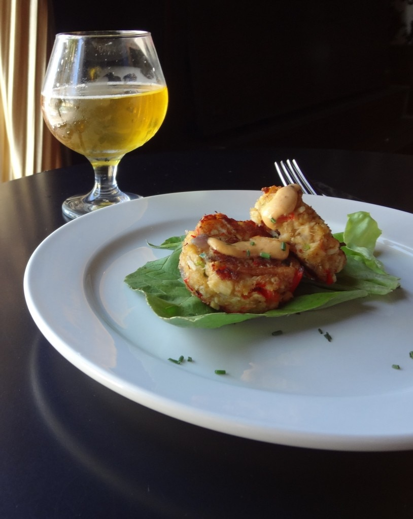 Golden Road Hefeweizen and crab cakes
