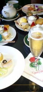 teaparlora 142x300 Champagne and snacks at the Grand Hotel