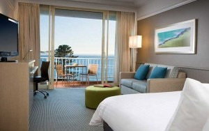 crown plaza terrigal 300x188 A guest room at Crowne Plaza Terrigal