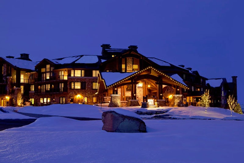 Waldorf Astoria, Park City, Utah front (courtesy of Canyons Resort)