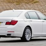A three-quarter rear view of the 2013 BMW 7 Series