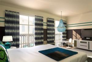 A guest room at Hôtel de Paris Saint-Tropez