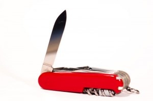 pocket knife 300x199 TSA to Allow Small Knives, Golf Clubs, Bats and More on Planes   Travel News