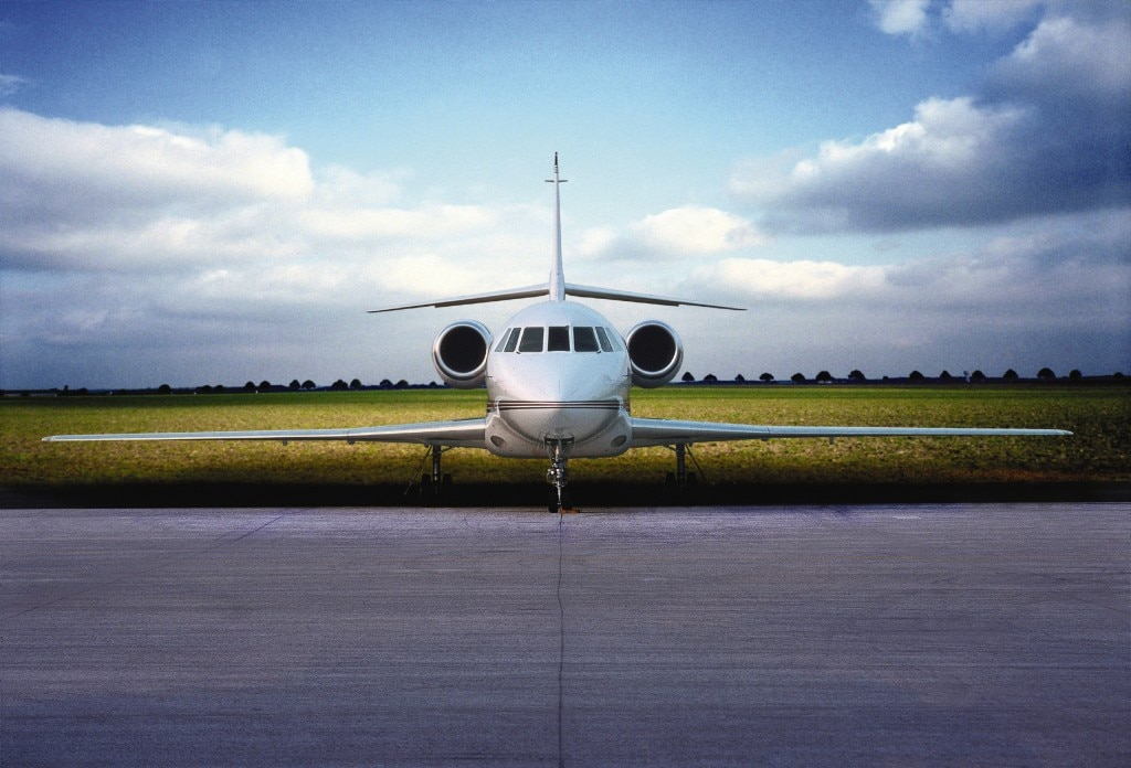 Exterior of a Dassault Falcon 2000, available in the Lufthansa Private Jet service