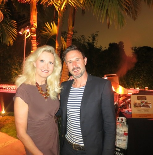 david arquette sophie gayot 495x500 Assembling Around the Pool for Charity