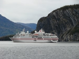 Hanseatic near Gros Morne Park 300x225 The Hanseatic near the spectacular geology of Gros Morne National Park