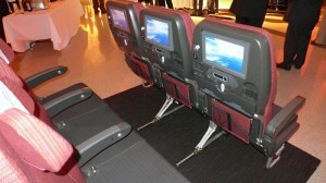 jal economy seat backs 300x168 Japan Airlines Economy seats with back view on the JAL SKY SUITE 777